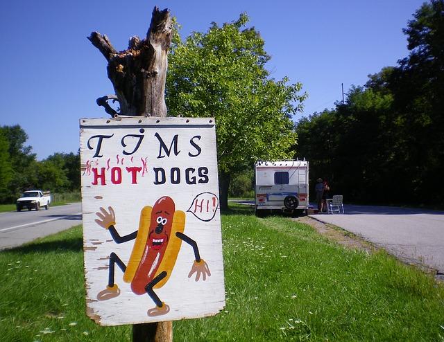 hot-dogs-203572_640_DarlaEbbets